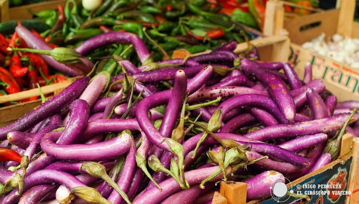 Marché de Ballarò avec des étranges aubergines. ©Iñigo Pedrueza.