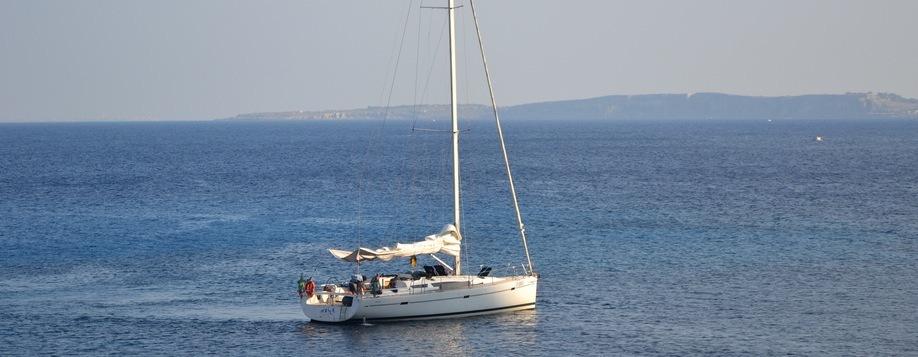 Cap vers les îles Egades. Croisières en voilier avec skipper.