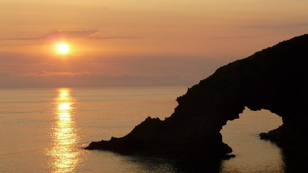 L'Arc de l'Eléphant, symbole de Pantelleria. Photo de Marco Meoni.