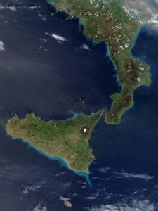 La Calabre et la Sicile sont vraiment proches.